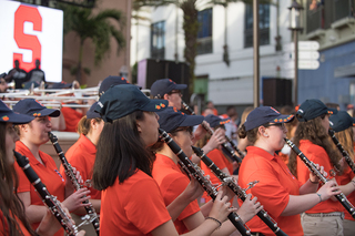 Syracuse fans gather at pregame pep rally - The Daily Orange - The