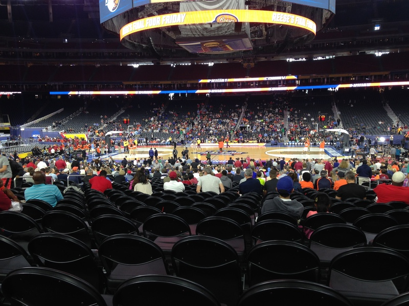 Meet The Syracuse Men S Basketball Fans At The Team S Open Practice